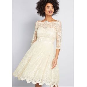Chi Chi London | Gilded Grace Lace Dress Size 4